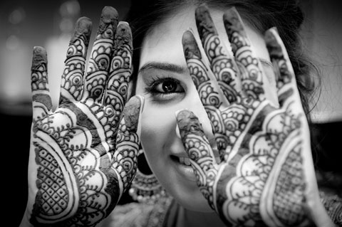 henna-bw-resize-for-blog